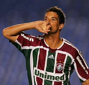 THIAGO NEVES FICHA POR EL HAMBURGO.